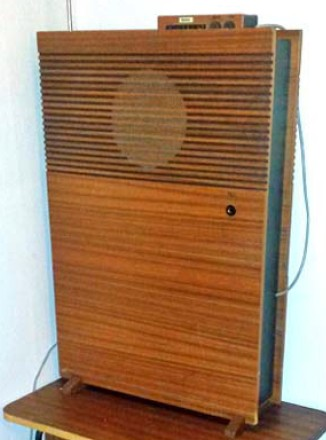 Unknown Radiola transistor radio